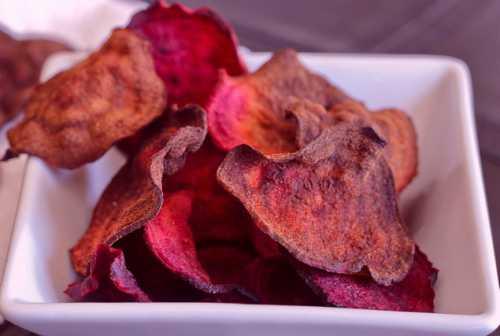 свекольные листья на зиму: польза, вред, заготовки, рецепты